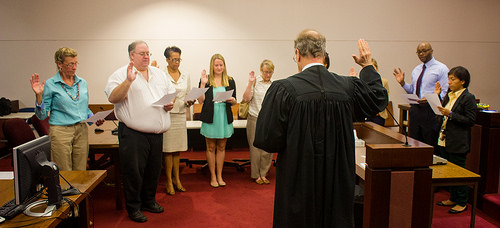 volunteers taking the oath by second judicial circuit GAL program